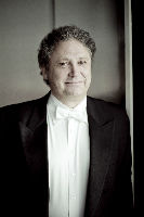 Richard Egarr, conductor and harpsichord